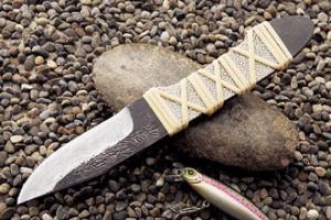 二代目本成寺作 臼の平 鮫把 渓流小刀 2寸5分・両刃