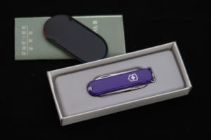 """VICTORINOX Swiss Army Knife """"Classic Perple Handle"""" (1984 Production)"""